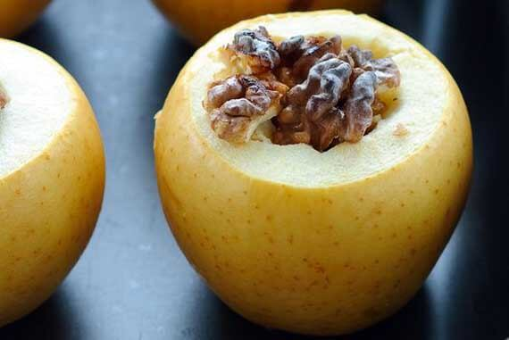Clean Eating Pumpkin Spice Baked Apple Recipe
