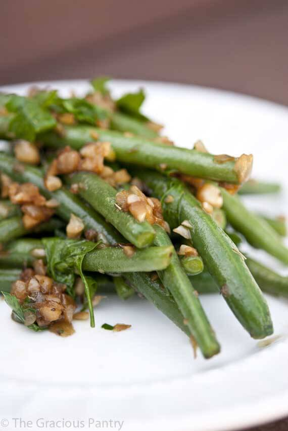 Clean Eating Garlicy Green Beans with Shallots