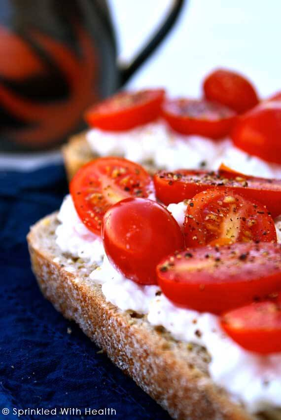 10 Clean Eating On-The-Go Breakfast Recipes - Toast with Cottage Cheese and Tomato