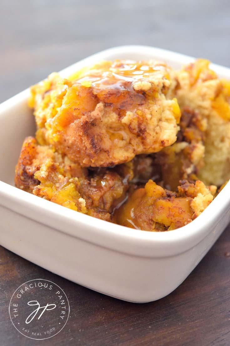 Clean Eating slow cooker Pumpkin Cobbler Recipe