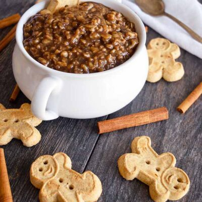 Gingerbread Oatmeal Recipe (+ Video)